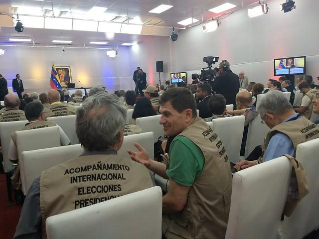 Mais de 200 observadores internacionais acompanham eleição presidencial venezuelana