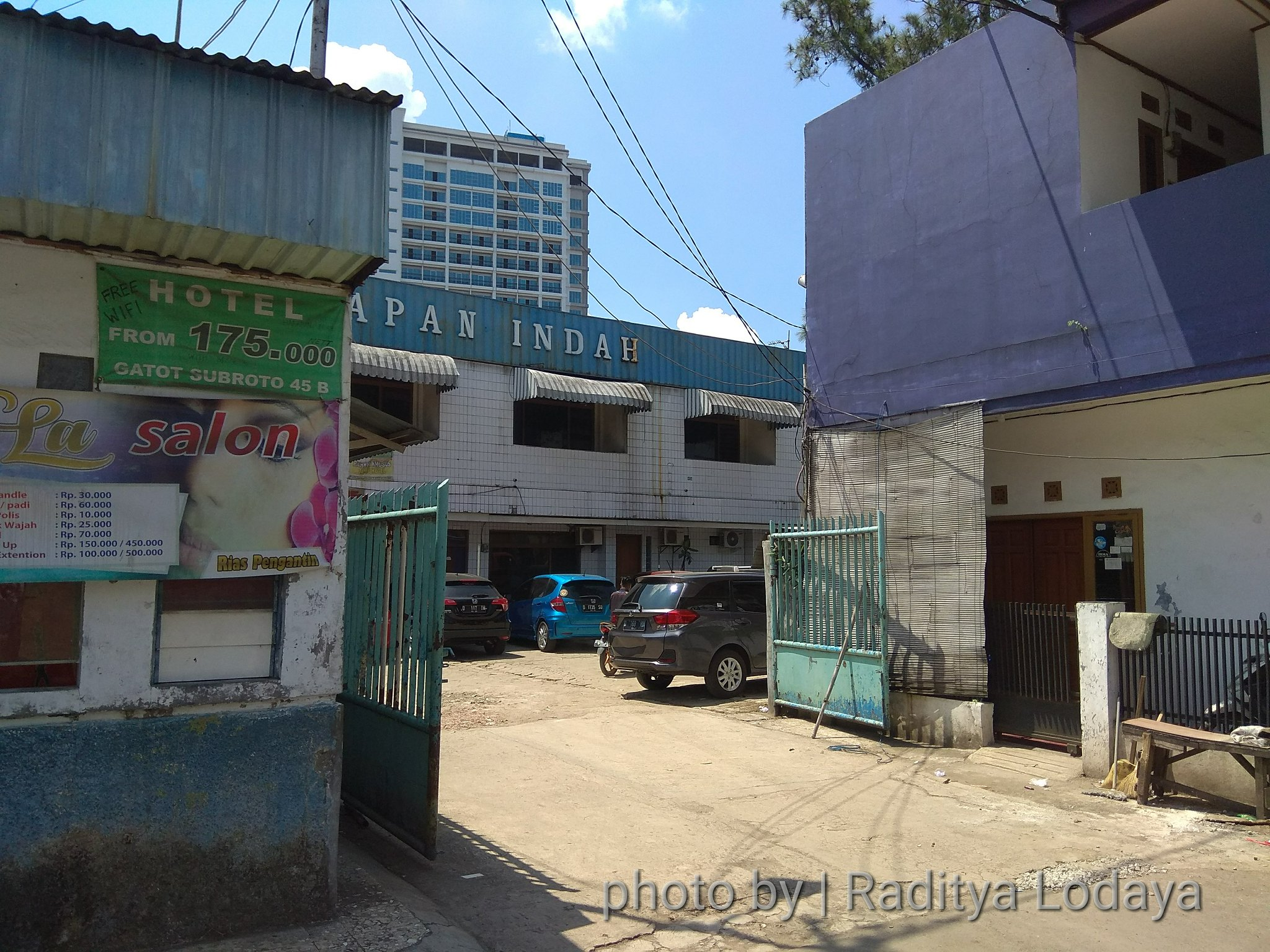 Foto Jalur Rel Mati Bandung (Kiaracondong Karees) 41 - Jalan Malabar 1 yang diduga bekas jalur kereta api Kiaracondong Karees berakhir dekat hotel Harapan Indah