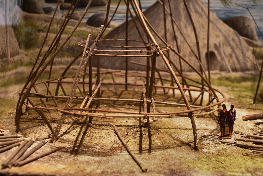 Maquette de construction de hutte en Océanie.