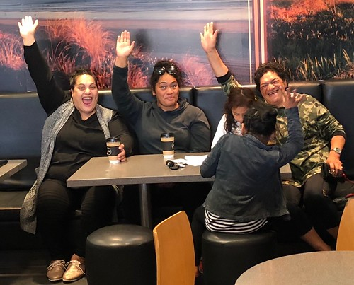Our new Whakatane friends who heard we were in town and came to our breakfast place to meet us.