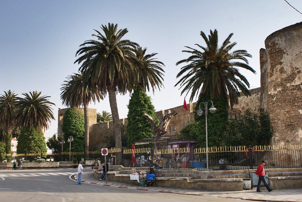 Fortification d'Asilah, ancienne cité portugaise du Maroc.