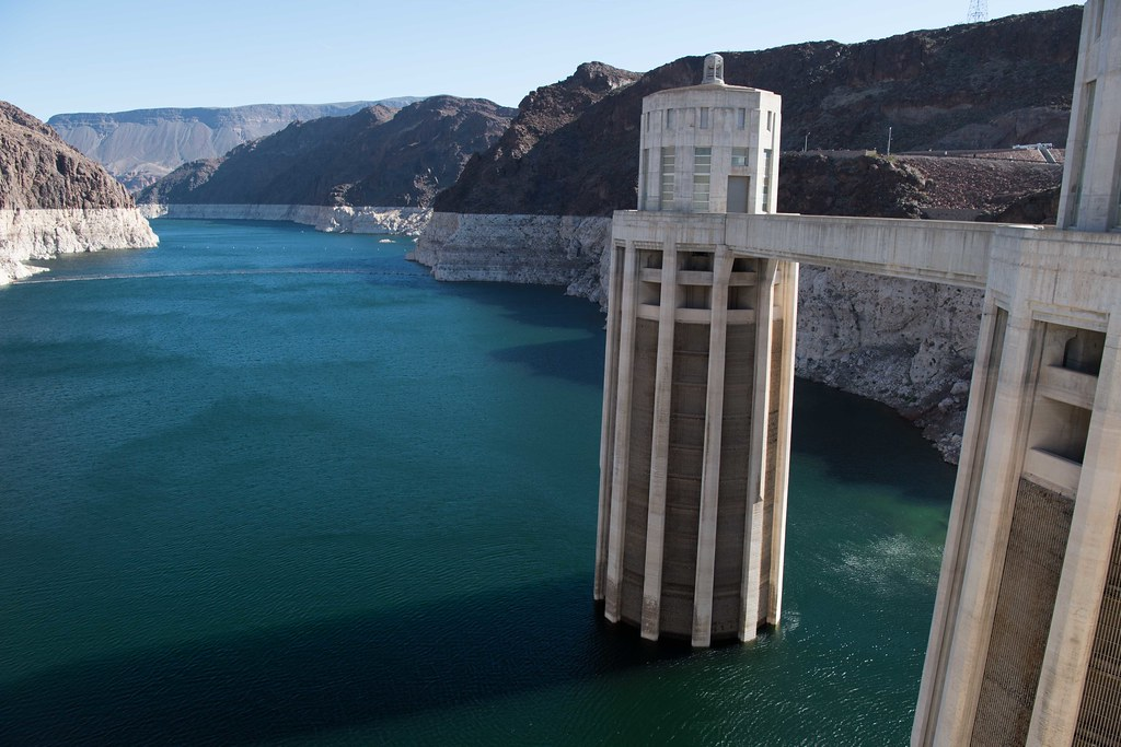 Hoover Dam with Lake Mead's elevation at 1088.14 feet above sea level.