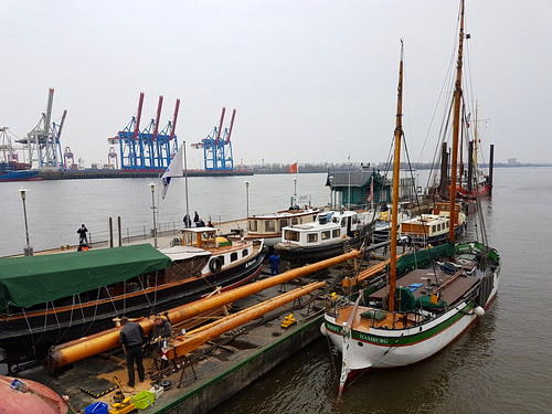neuer mast