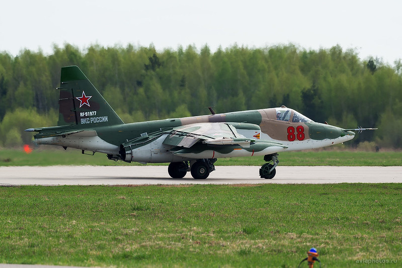 Sukhoi_Su-25BM_RF-91977_88red_Russia-Airforce_039_D808325