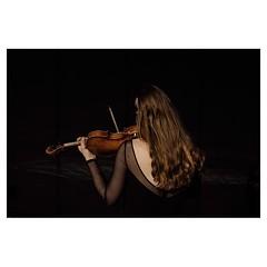 Lexi warms up I, Bari . #xpro2 #fujixpro2 #fujifeed #fujifilm #fujilove #myfujilove #fujifilm_xseries #fujifilmusa #fujifilmnordic #fujifilmme #fujifilm_uk #twitter #geoffroyschied #35mmofmusic #bari #italy #backstage #violinist #warmup #stage #style #por
