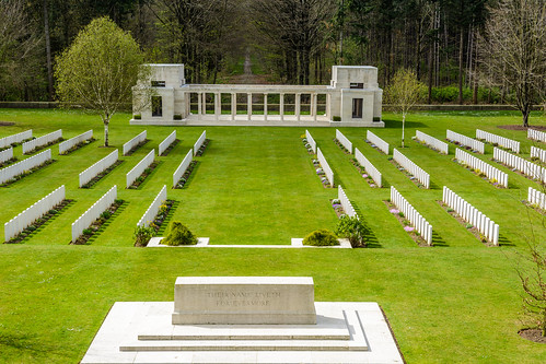 Belgium - Ypres Salient - Buttes New British Cemetry