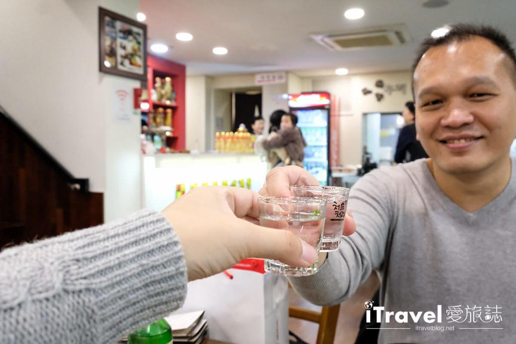 首尔美食餐厅 北村百年土种蔘鸡汤 (23)