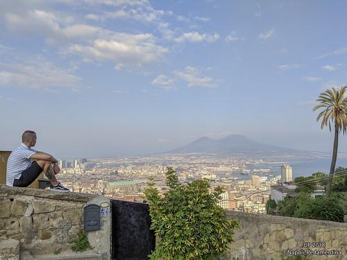 Pedamentina, Napoli