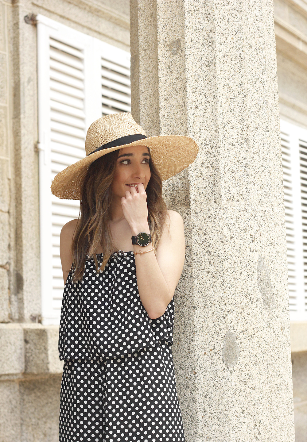polka dot jumpsuit straw hat flat shoes street style spring outfit 201816