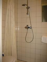 floor(1.0), room(1.0), interior design(1.0), plumbing fixture(1.0), shower(1.0), bathroom(1.0),