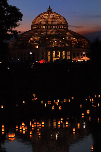 sunset buildings lanterns ponds 70200mmf28gvr