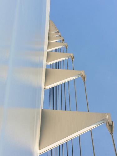 california bridge sky detail reflection photo graphic suspension cable redding santiagocalatrava sacramentoriver novideo sundialbridge photosonly