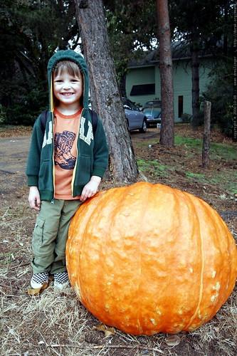 nick and a giant pumpkin    mg 2032