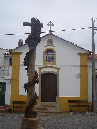 Aldeia da Mata - Cruzeiro e Igreja de Santo António na Aldeia da Mata