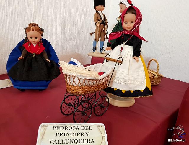 Colección en miniatura de los trajes tradicionales en la provincia de Burgos  (4)