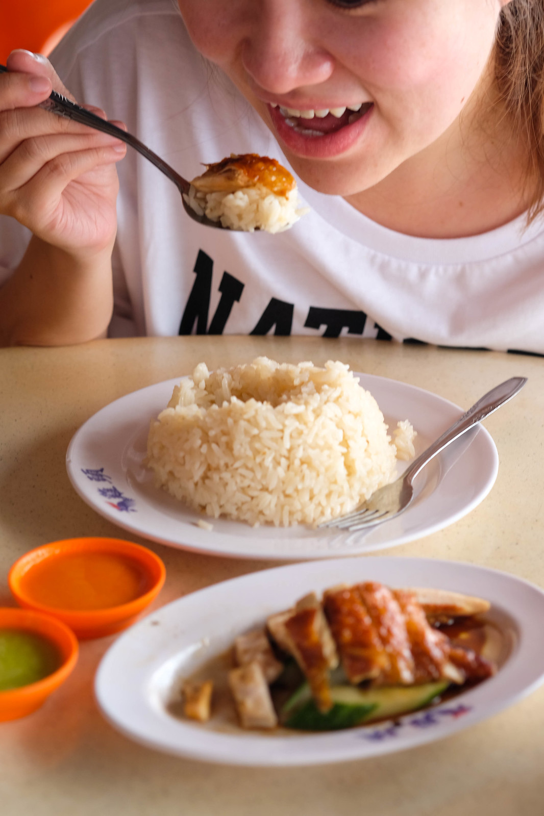 ji tou chicken rice Eating of chicken