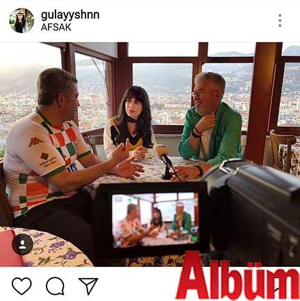 Gülay Şahin, AFSAK Başkanı İlhami Yetkin ve Ali Aral ile birlikte 'Fotoğraf ve Fotoğrafçılık' üzerine gerçekleştirdiği sohbetten bu fotoğrafı paylaştı.