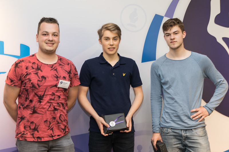Yannic Husers deelte de prijzen uit aan Max en Casper
