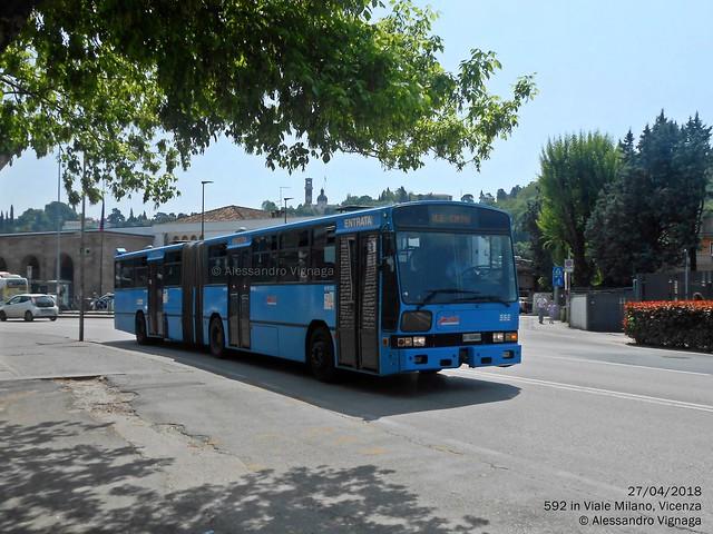 Inbus AID280 FT DeSimon, Nikon COOLPIX S2700