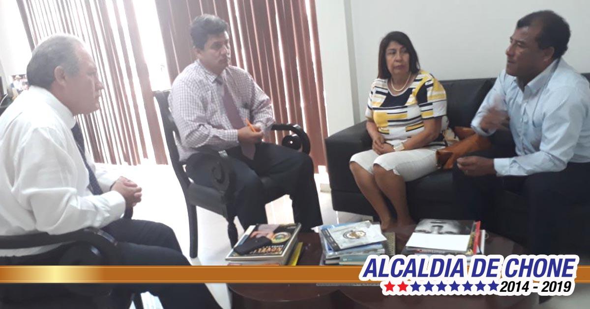 Visita protocolaria presidente y vicepresidenta Club de Abogados Chone