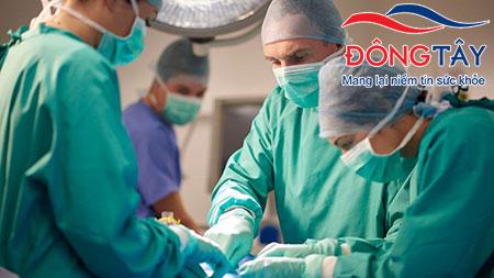 Cách chữa sỏi mật bằng phương pháp phẫu thuật thường được chỉ định khi sỏi gây biến chứng