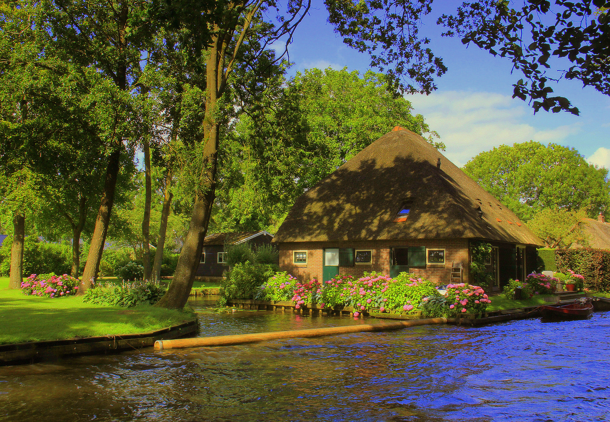 Giethoorn is a pretty Dutch village in Netherlands