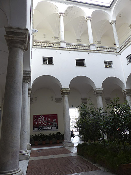 dans le palais ducal