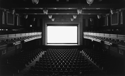 00-hiroshi-sugimoto-theatres-p