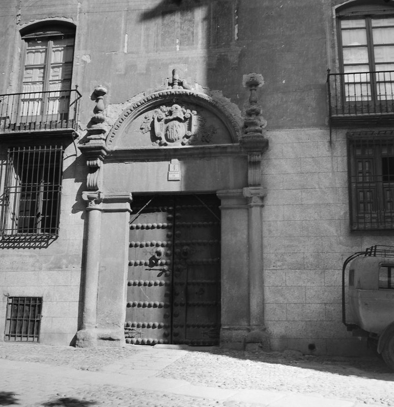 Portada en la Plaza de San Vicente de la casa de Diego de la Palma. Fotografía de Juan Miguel Pando Barrero © Fototeca del IPCE signatura PAN-061031_P