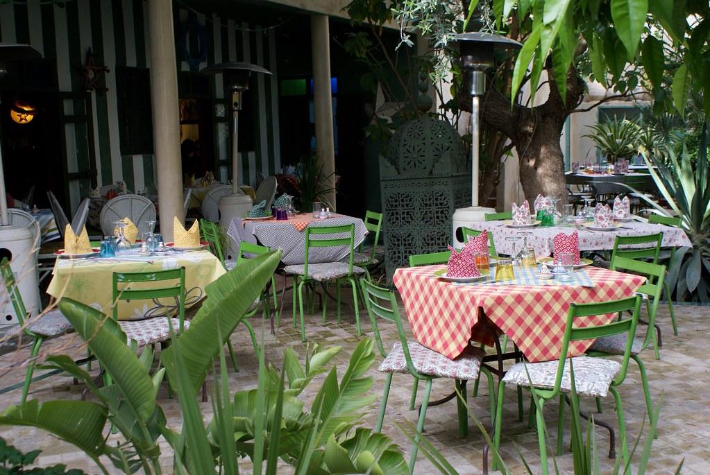 Fez café dans le Jardin des Biehn dans la médina de Fès.