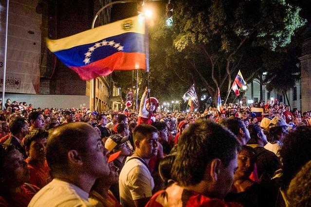 Instituto que reúne intelectuais de três continentes lança dossiê sobre a Venezuela