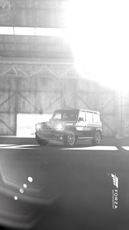 Son a fond dans la Merco Benz