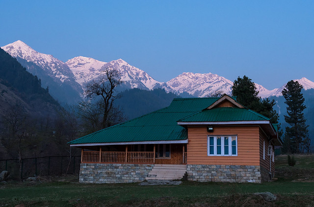 Tourist Rest House at Chatpal with the Himalayas in the backdrop