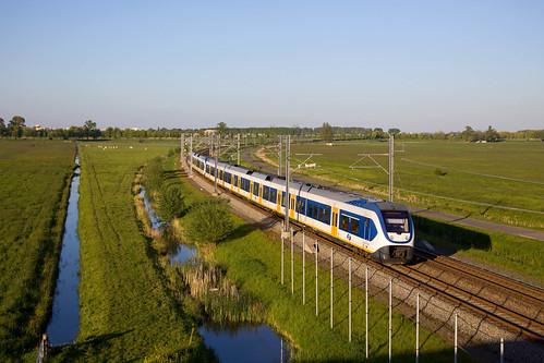2 x NS SLT - trein 14670 Zwolle - Amsterdam Centraal  - Kampen