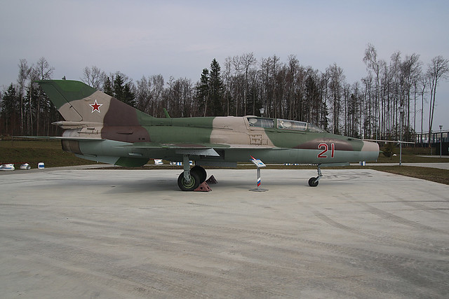 21-RED MIG21