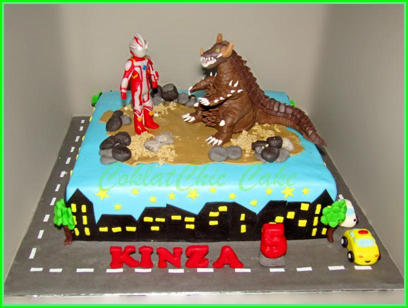 cake Ultraman KINZA 30 cm