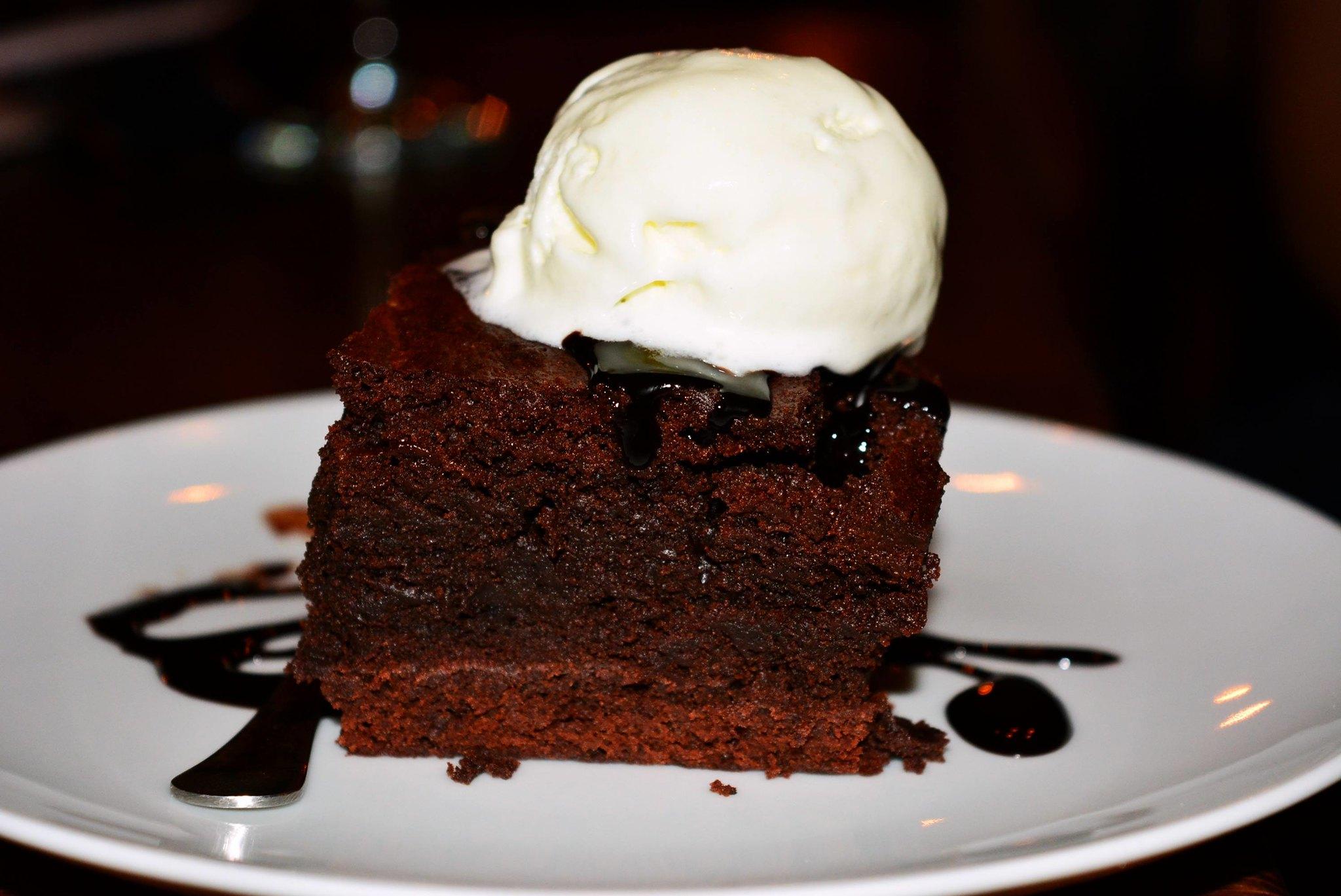 brownie cu inghetata