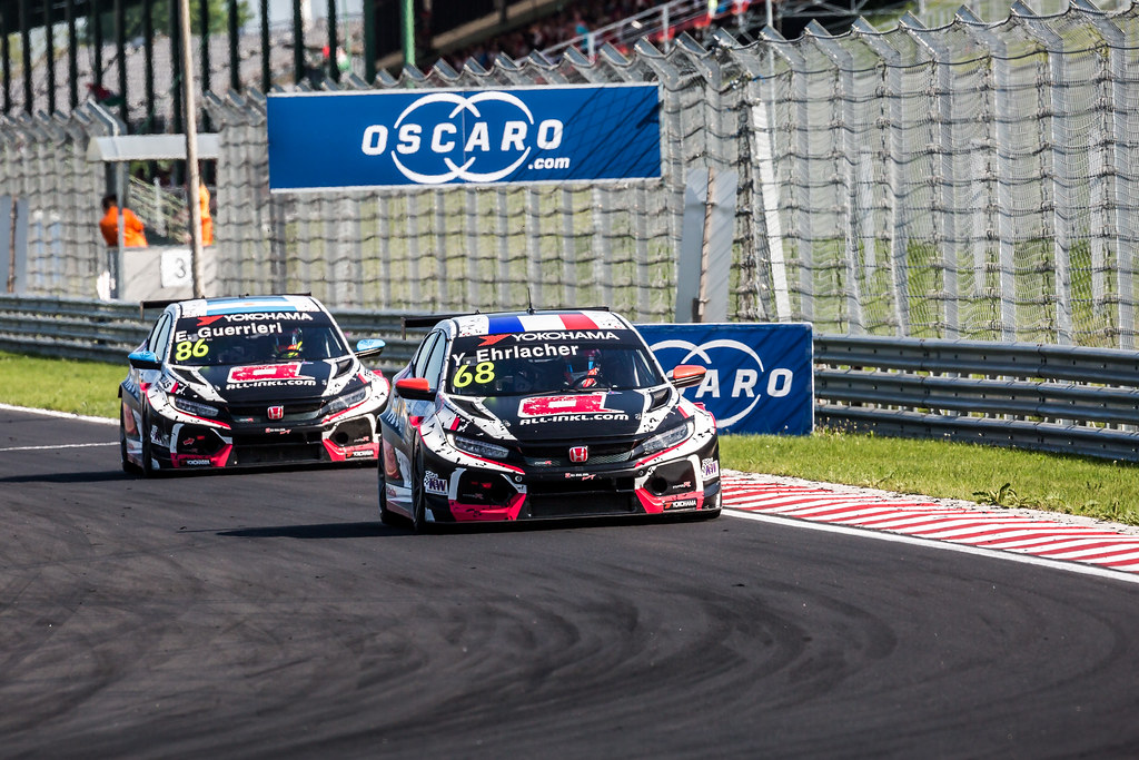 68 ERLACHER Yann (FRA), ALL-INKL.COM Munnich Motorsport, Honda Civic TCR, 86 GUERRIERI Esteban (ARG), ALL-INKL.COM Munnich Motorsport, Honda Civic TCR, action during the 2018 FIA WTCR World Touring Car cup, Race of Hungary at hungaroring, Budapest from april 27 to 29 - Photo Thomas Fenetre / DPPI