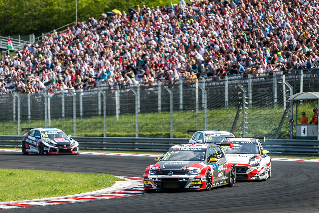 12 HUFF Rob (GBR), Sebastien Loeb Racing, Volkswagen Golf GTI TCR, 99 NAGY Daniel (HUN), M1RA, Hyundai i 30 N TCR, 48 MULLER Yvan (FRA), YMR, Hyundai i30 N TCR, action during the 2018 FIA WTCR World Touring Car cup, Race of Hungary at hungaroring, Budapest from april 27 to 29 - Photo Thomas Fenetre / DPPI