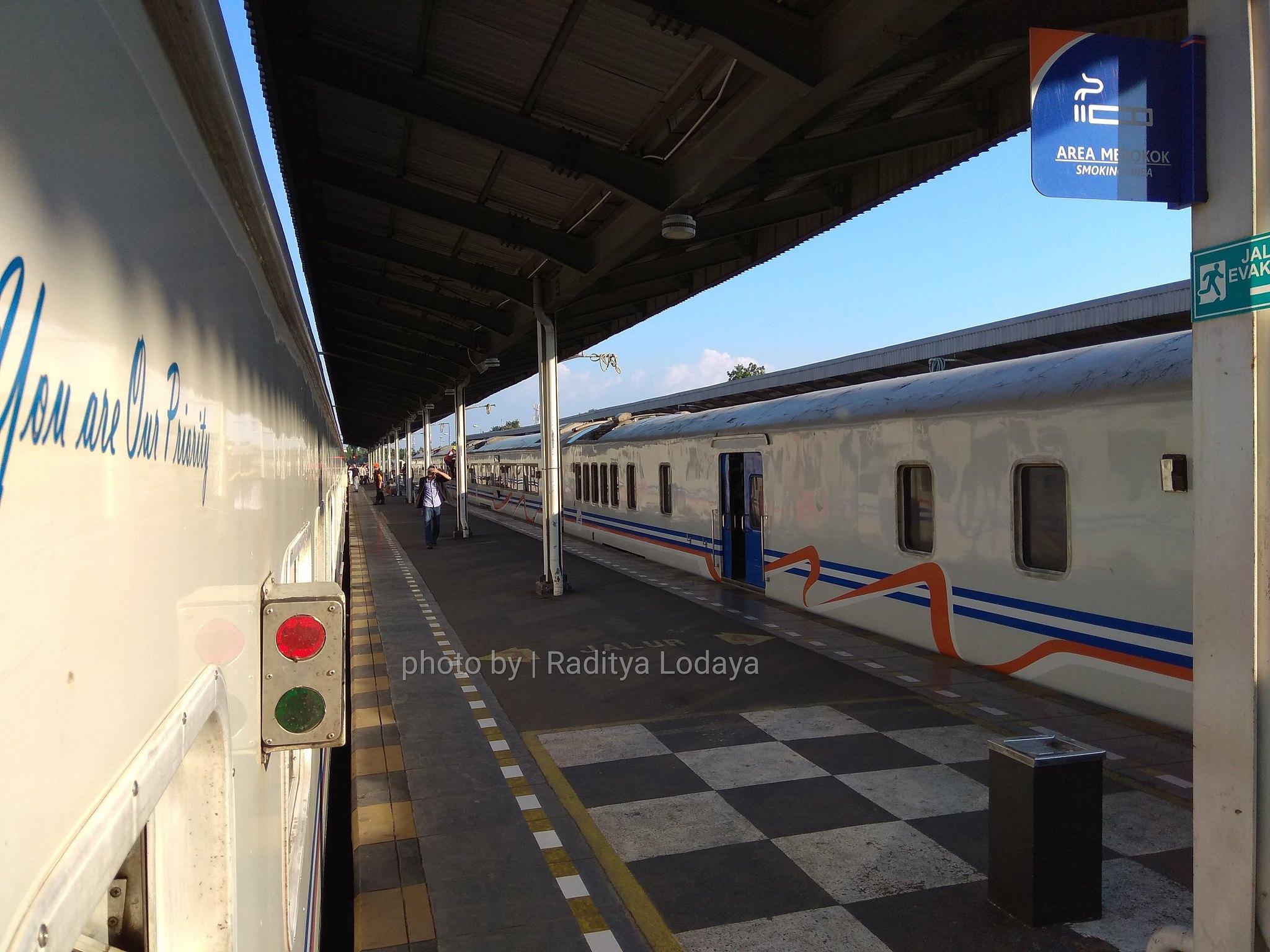 26 TRIP REPORT KERETA API JAYABAYA 1 (JAKARTA-CIREBON) -- STASIUN CIREBON KEJAKSAAN 3