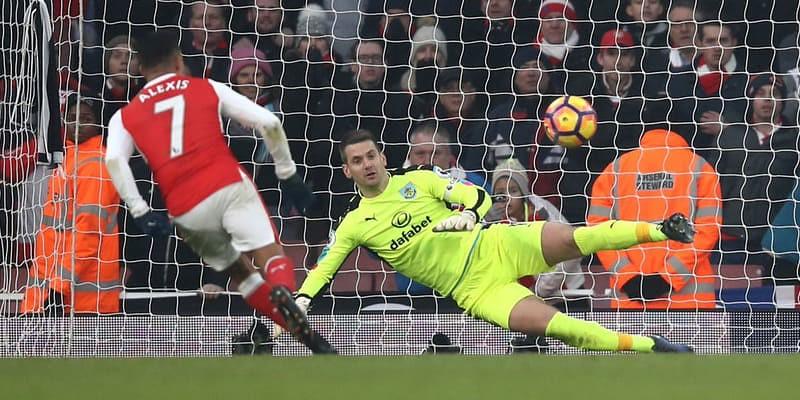 Arsenal Untuk Saat Ini Ungguli Burnley 2-0 Di Babak I
