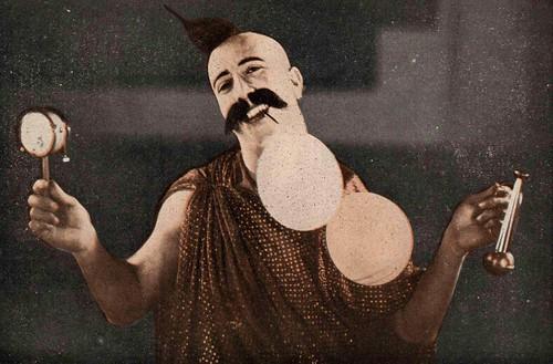 Munshi or Munchi Toothi (Actor of 30s) in Hunterwali-1935