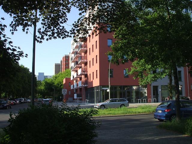 Berlin-Rudow Fritz-Erler-Allee - Roter, Fujifilm FinePix A700
