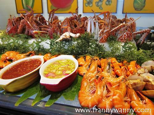 flavors holiday inn makati 13