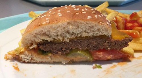 Cheeseburger - Lateral cut / Querschnitt