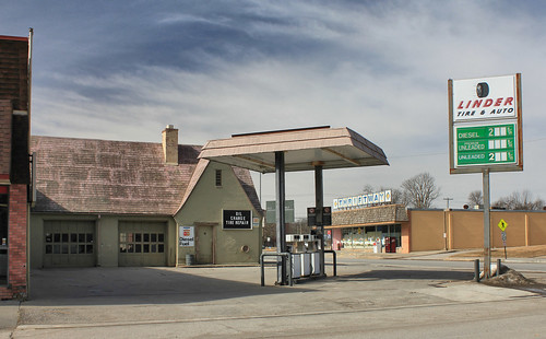 Linder Oil Co. Service Station - Plattsmouth, NE