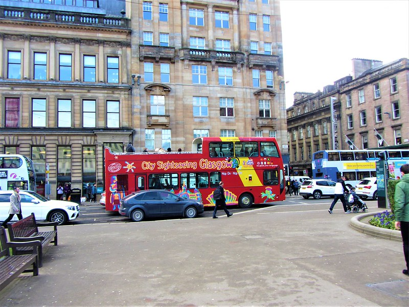 glasgow-ecosse-city-sightseeing-bus-george-square-thecityandbeauty.wordpress.com-blog-voyage-IMG_0181 (2)