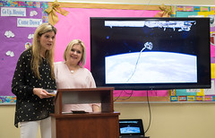 Astronauts Bresnik and Nespoli at the Washington School for Girls (NHQ201805110006)