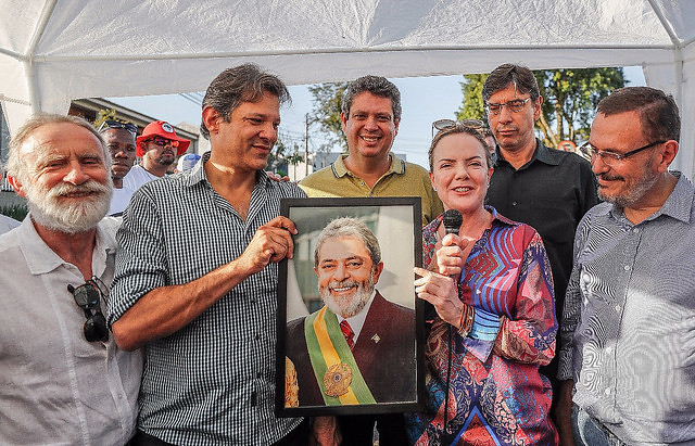 Ex-president Lula's campaign coordination team was announced during press conference on Tuesday (24) in Curitiba - Créditos: Eduardo Matysiak