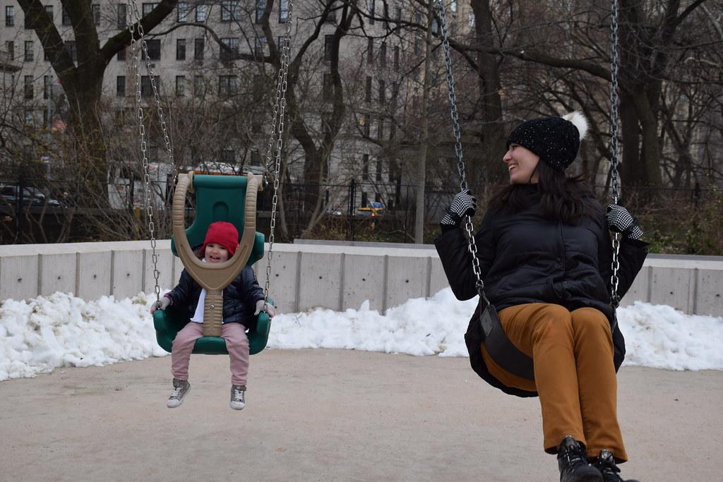 Mientras la veía Dani yo estuve en los columpios de Central Park con ellos